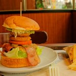 Burgers Cafe 池田屋 - セブンバーガー
