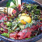 すし盛 - ピリ辛マグロ丼 アップ
