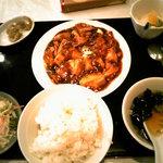 東方明珠 - 麻婆豆腐セット。
