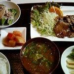 焼肉れんげ - 日替わり定食(840円)