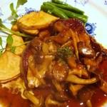 トックブランシュ - 和牛フィレステーキ(茸ソース)
