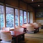 8336872 - こちらは「花座敷」と呼ばれるお食事場所。