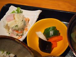https://tabelog.ssl.k-img.com/restaurant/images/Rvw/8341/8341358.jpg
