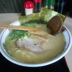 らあめん 道進 - 料理写真:道進ラーメン 290円