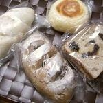 手作りパンこむぎ - 惣菜パン、コルネ、ラスク等種類豊富
