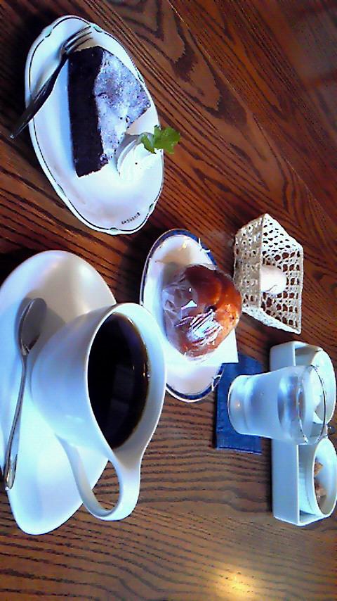 カフェ レトラス