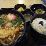 手打ちうどん 一心 - 天ぷらうどん定食