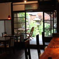 京町屋で、お庭を眺めながら優雅にお食事を♪