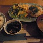 ビオオジヤンカフェ プラス - おぼろ豆腐ハンバーグ定食