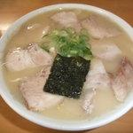岡本中華 - 2011年7月訪問時です。肉入り小です。