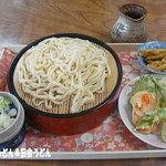 やまびこ - 料理写真:天ぷら付きもりうどん