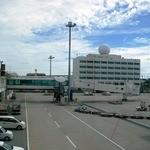 JAL国内線 サクララウンジ 那覇空港 - レーダーですね。空がいい感じです。