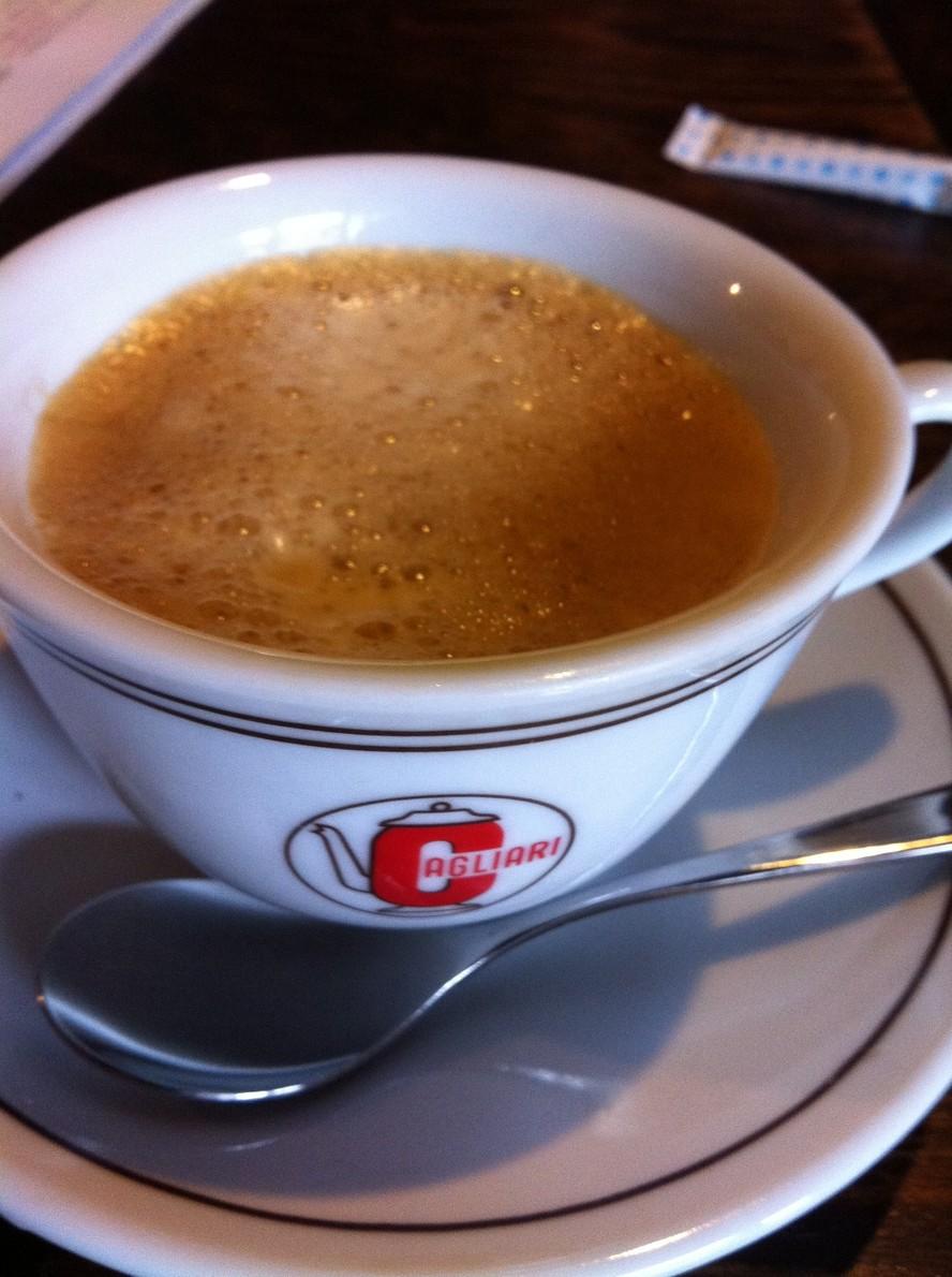 カフェ カリアーリ