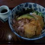 うどんの五衛門 - とうきび天ぷらの冷しぶっかけ(890円)