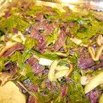 リオ - ミミガーとハンダマ(沖縄野菜)のサラダ さっぱりとしていてやみつきになる味です。