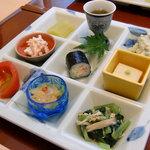 日本料理 桜楽 - <7月昼>前菜9種盛り合わせ