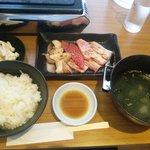 1人焼き肉専門店 ひとり - ランチ800円