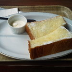 ブックオフカフェ 白金台店 - シュガーバタートースト 300円