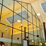 サンマルク - ガラス張りの室内