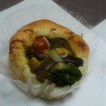 8736662 - 彩り野菜のカレーパン