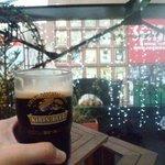 ダブリンガーデン - ビール片手に夜景
