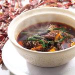 中華香彩JASMINE - 本格四川麻婆豆腐。花山椒、数種類のスパイスが、香りよく、痺れる辛さがクセになります。