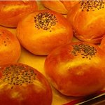 ブーランジェリー カドー - 甘いパンもあります。おやつにどうぞ♪