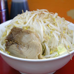 モッコリ豚 - ラーメンヤサイマシ