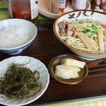波止場食堂 - 小鉢は海草とパインだった・・・・