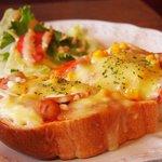 ロンブラージュ・ビガレ - 料理写真:ピザトースト