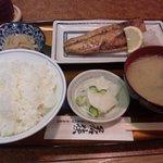 赤坂 若狭 - さば塩焼定食(800円)