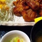 渋谷桜丘町 ろくよん - 塩からあげ定食 700円