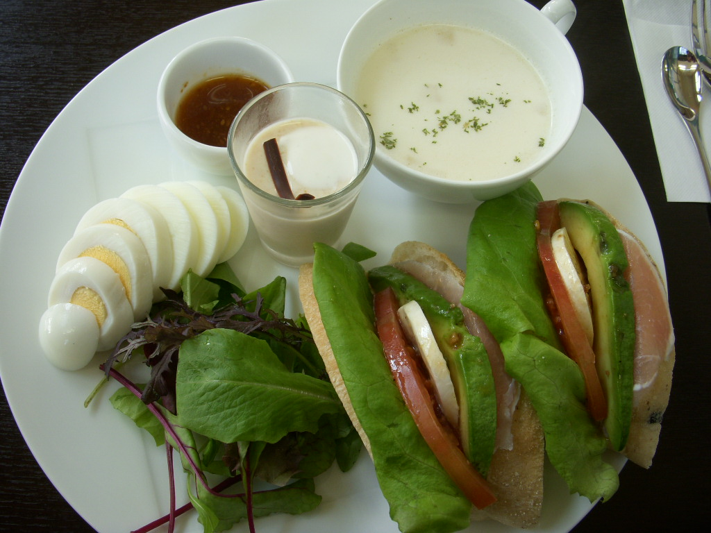 Cafe NAGOMI STAGE 飯田町店