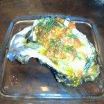 8929191 - 岩ガキは大きくて美味しい
