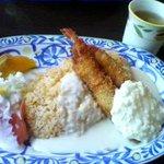 キッチン・カフェ けやき - 海老フライピラフ