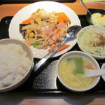 えん弥 - 五目鶏肉炒めランチ(680円)