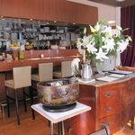 ビストロ カフェ ア ターブル - オープンキッチン