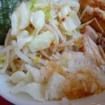 用心棒 本号 - 豚つけ麺の野菜側の麺?