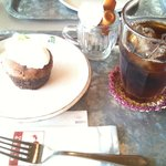 Cafe echelle - 蒸し焼きショコラ 650円(ドリンク付)