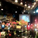 炭火焼とワインの酒場 VOLTA - 店内