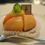 サロン・ド・テ オ・グルニエ・ドール - 桃のケーキ