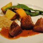 イル・ピアーノ - 鴨肉の炭火焼