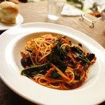 ランズ カマクラ - ベーコンと空芯菜のフェデリーニ