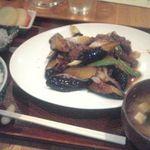 菱田屋 - 和牛と茄子のオイスターソース炒め定食+しらす