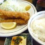 金光軒 - Eランチ(海老フライ3尾)+大盛ご飯+味噌汁+奴+ドリンク980円