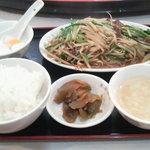 東海飯店 - ランチ レバーとニラのもやし炒め