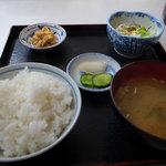 漁火亭 - 煮魚定食