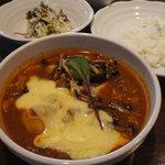 五○堂 - 料理写真:ホタテとチキンのインドカレー