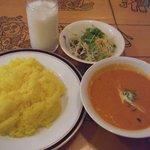 スルヤムキ - 豆カレーセット(飲物付 \700)