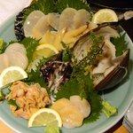 魚がし鮨本店 - 貝盛り合せ